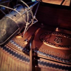 Welch Traum! Ein Steinway Flügel, abgenommen mit 6 Mikrophonen...!